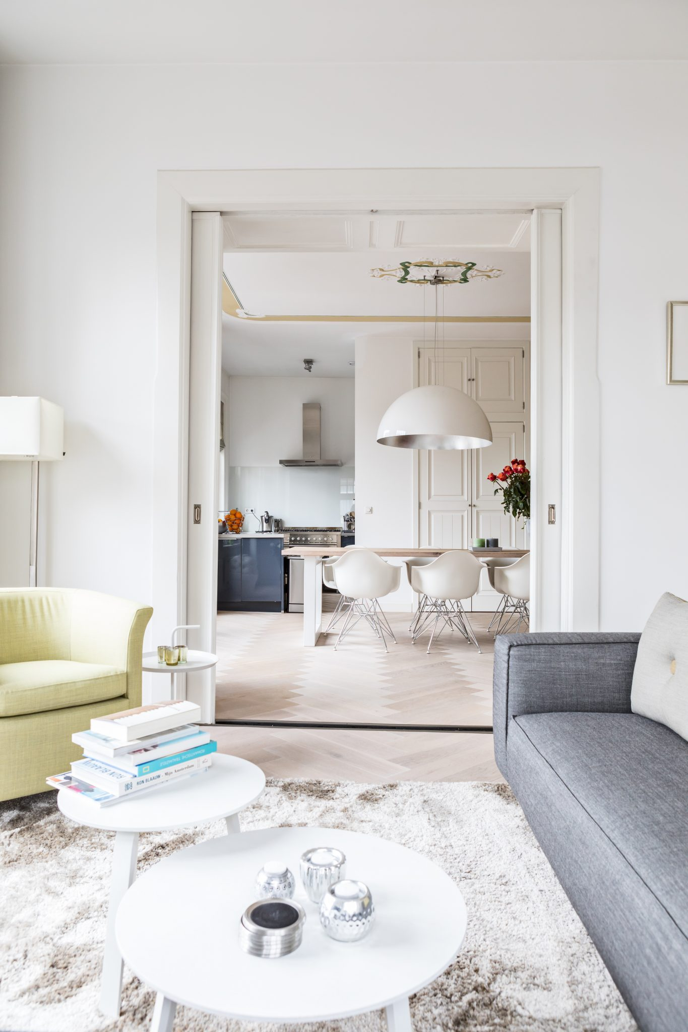moderne meubels grijs-geel